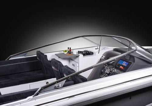 770T_Cockpit_02